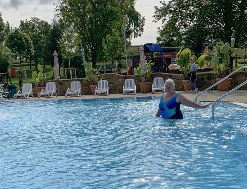 Schwimmbad auch bei schlechtem Wetter für Schwimmer zeitweise geöffnet